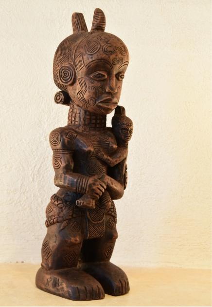 Bena luluwa Mother and Child figure